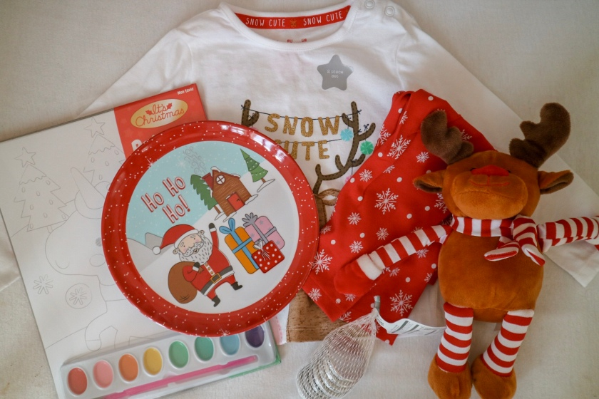Whats In My Toddlers Christmas Eve Box 2018 Mama Chlo